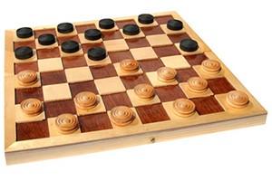 Правила игры в шашки для начинающих.